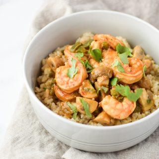 Easy Mushroom Shrimp Stir-Fry For Two recipe - An easy weeknight one-pot meal! Spicy and delicious, and no added corn starch! - ProjectMealPlan.com