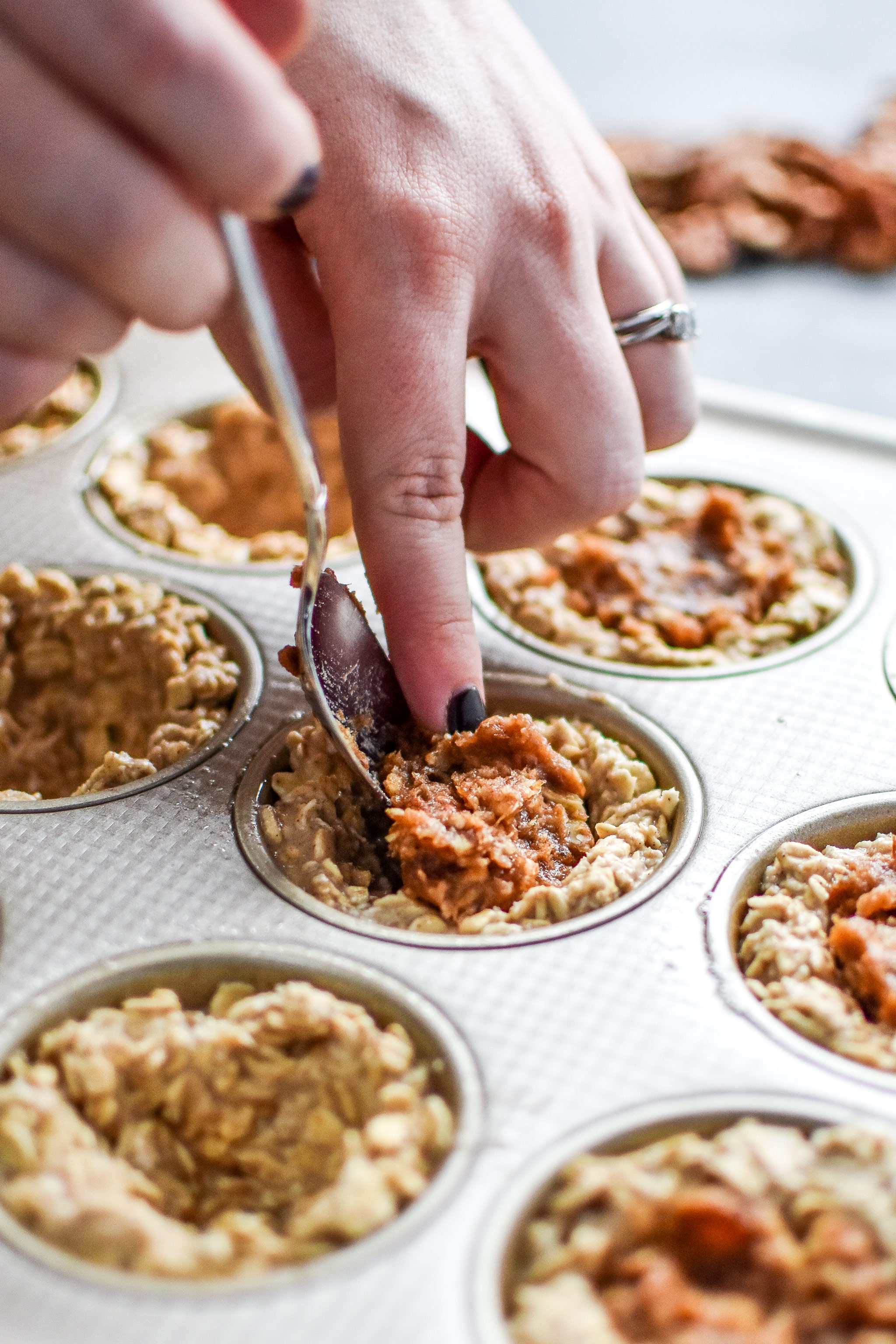 How to Stuff the Pecan Pie Stuffed Oatmeal Breakfast Cups
