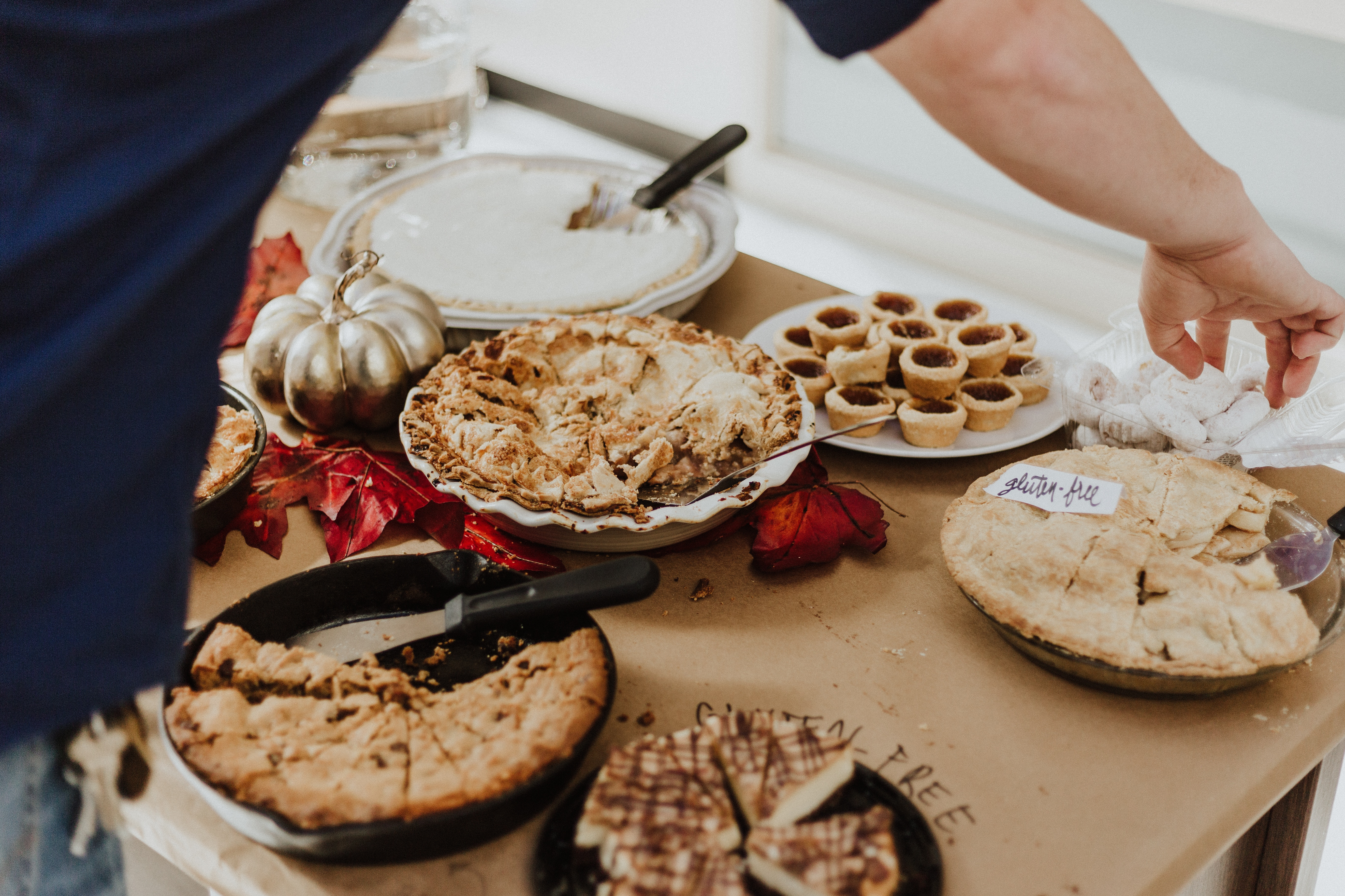 labeled pies - 10 helpful tips for bringing food to a dinner party